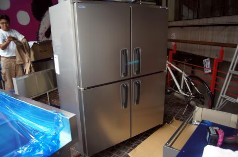 057 厨房設備設置