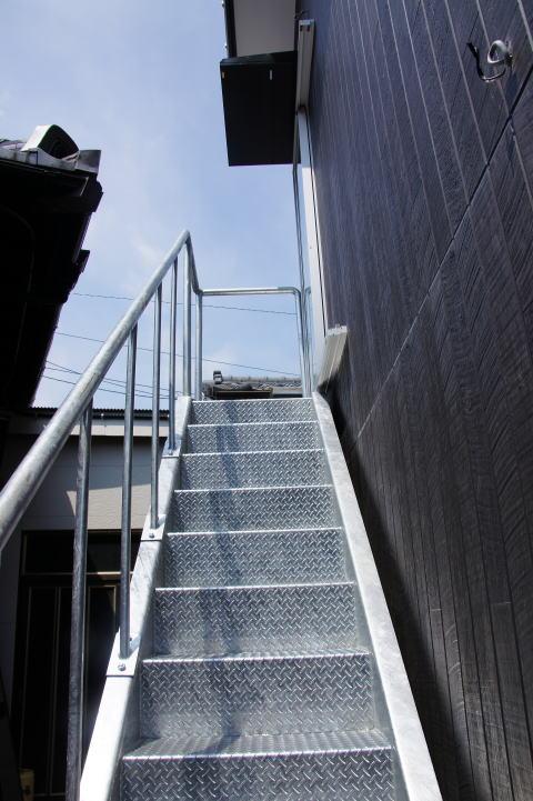 036 屋外階段設置工事